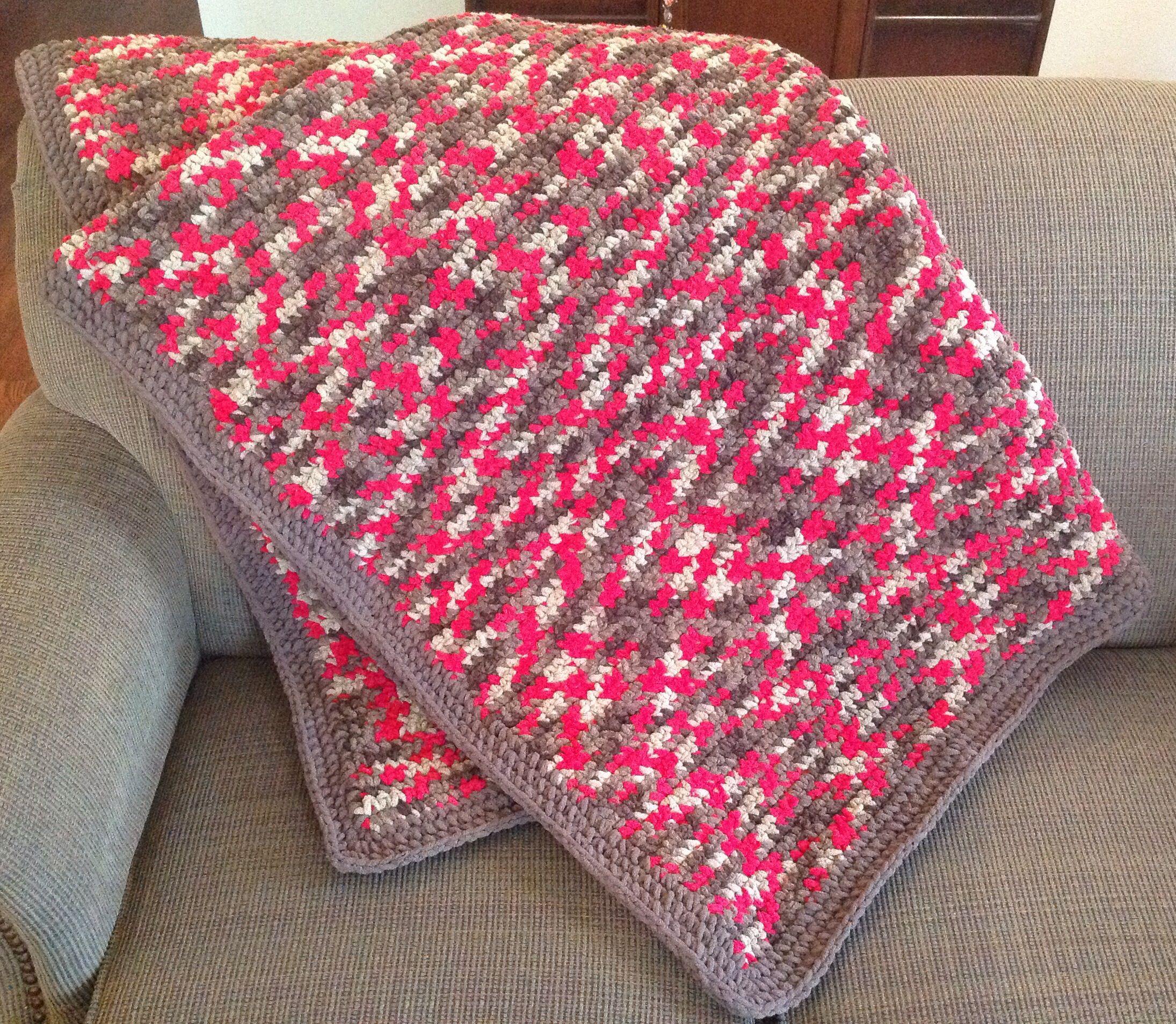 Bernat Blanket Yarn Raspberry Trifle