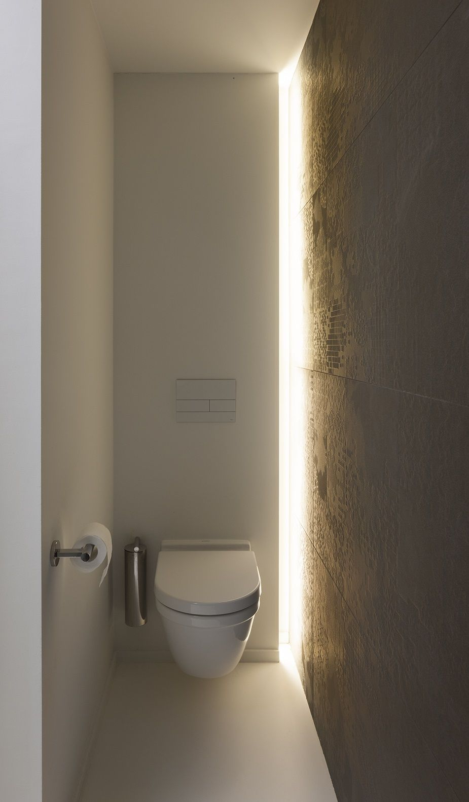 Indirect lighting design by architectenburo anja vissers for Indirecte verlichting toilet