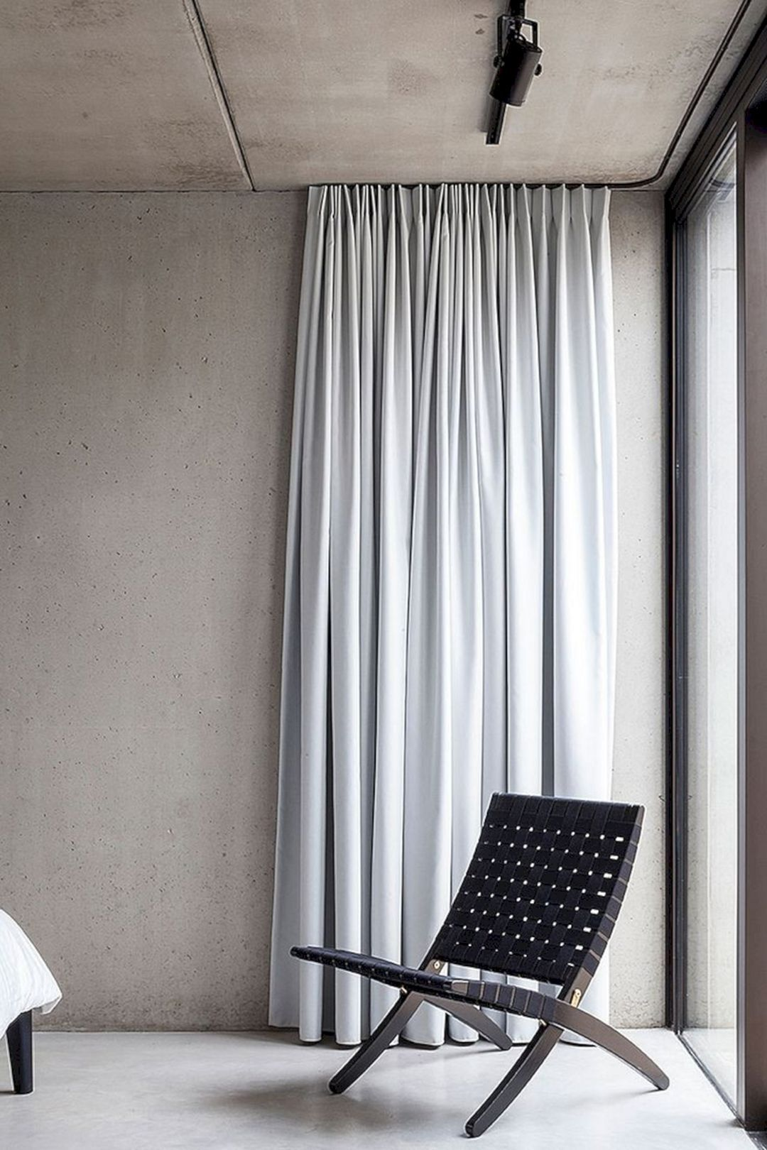 15 Extraordinary Minimalist Curtain Ideas That You Can Implement