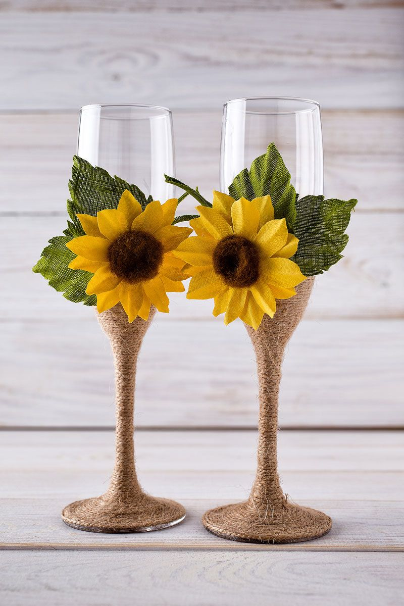 Wedding Champagne Glasses Sunflower Wedding Glasses Rustic Toasting Flutes Bride and Groom Glasses. These would be easy to make.