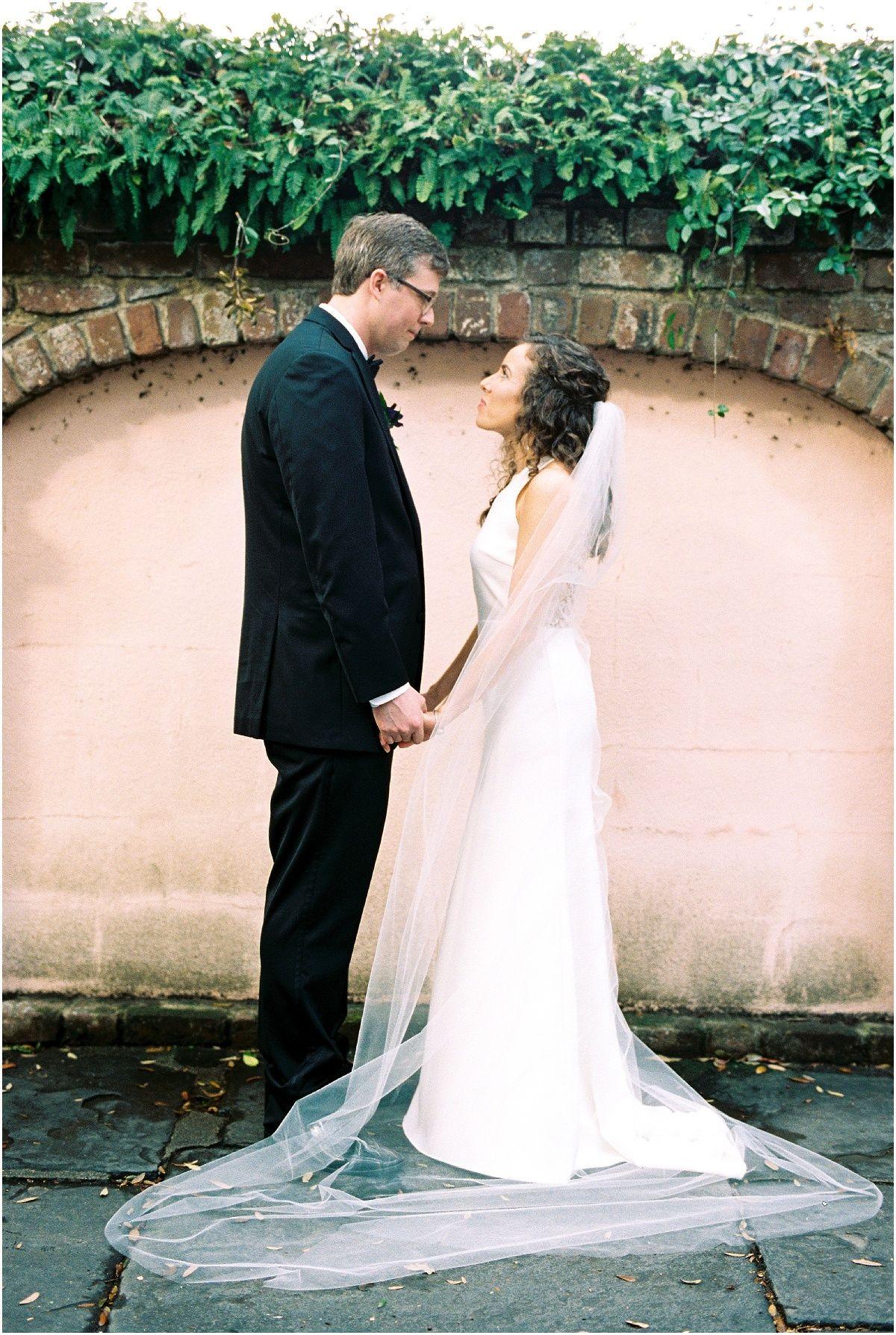 Burgundy Pink Mills House Wedding In Charleston Sc Lindsay Will Lowndes Grove Wedding Charleston Wedding Venues Charleston Wedding Photography