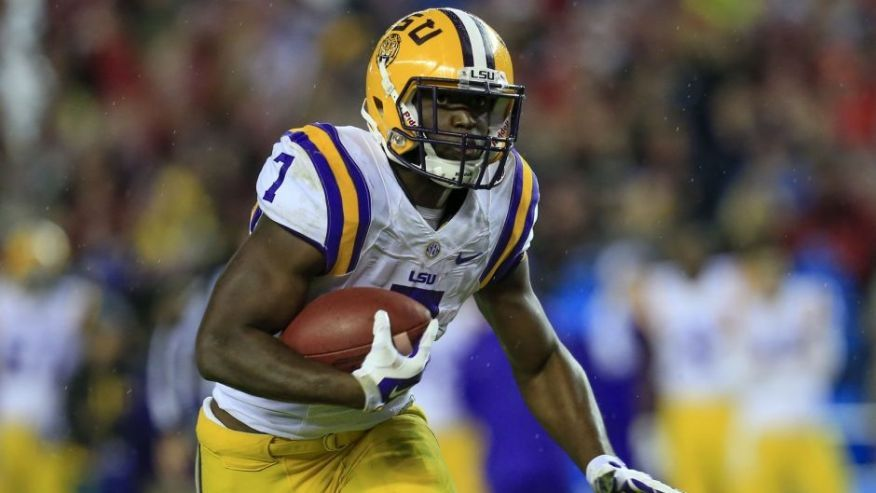 Lsu Star Leonard Fournette Reportedly Has Massive Insurance In Case Of Injury College Football Players Nfl Draft Lsu