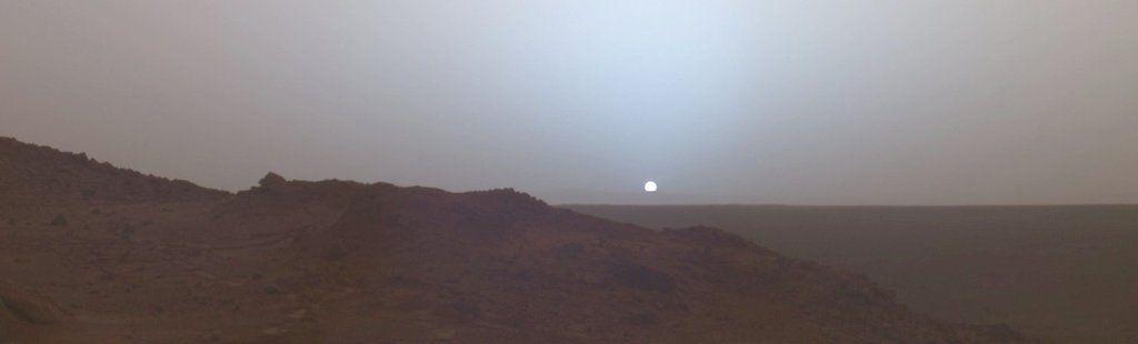 Puesta de sol en Marte, tomada en 2005 por el rover Spirit.