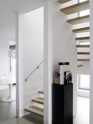 Binnenkant : Wat een mooie trap!