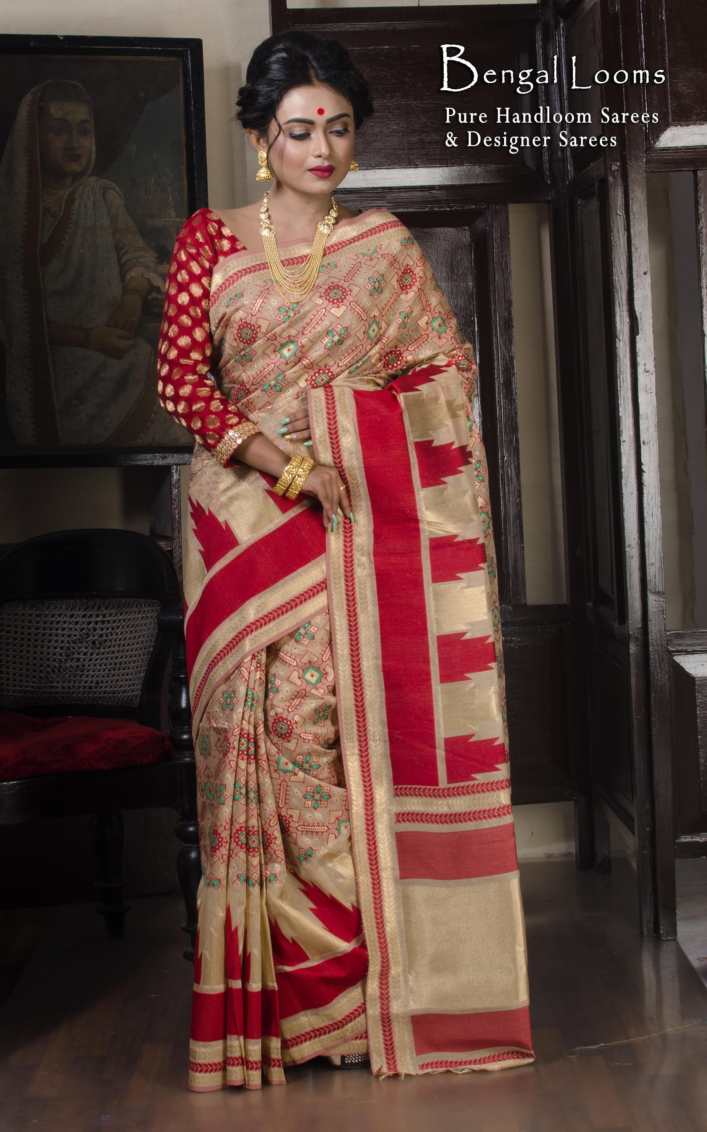 0fc66bed1d215 Temple Border Meena Work jamdani Saree in Cream and Red