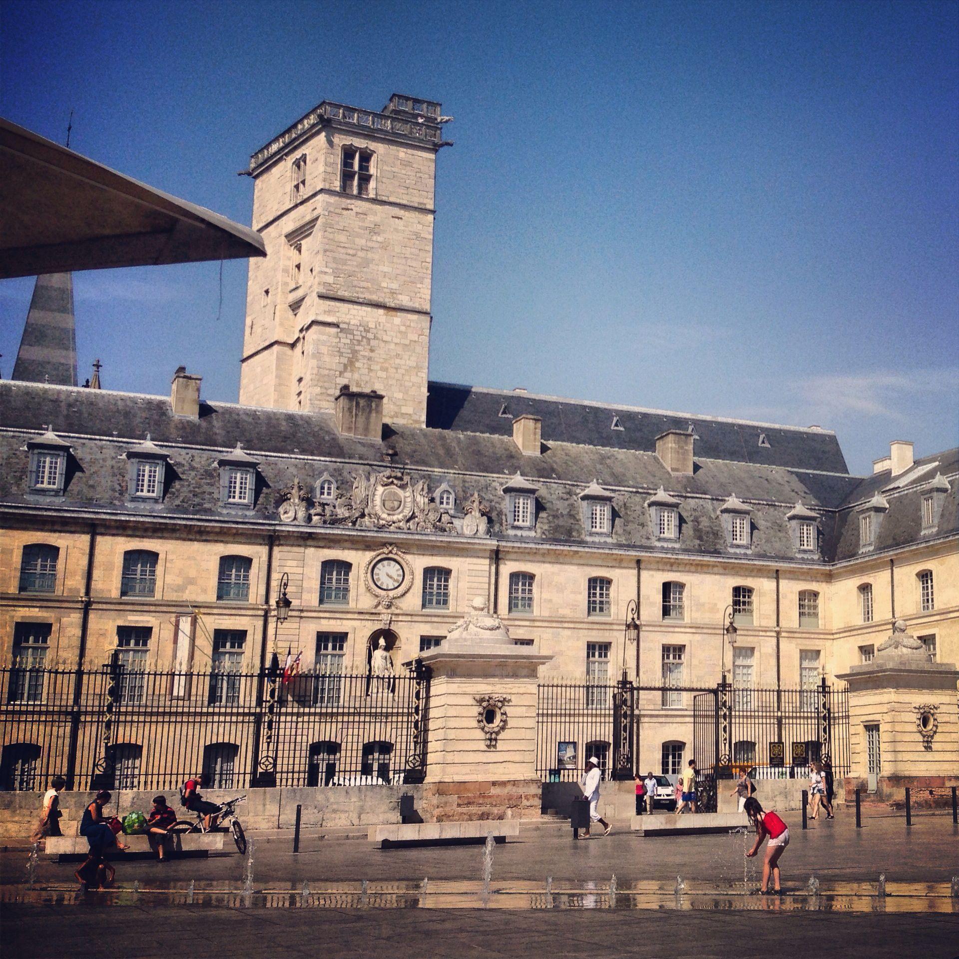 Place de la libération, Dijon