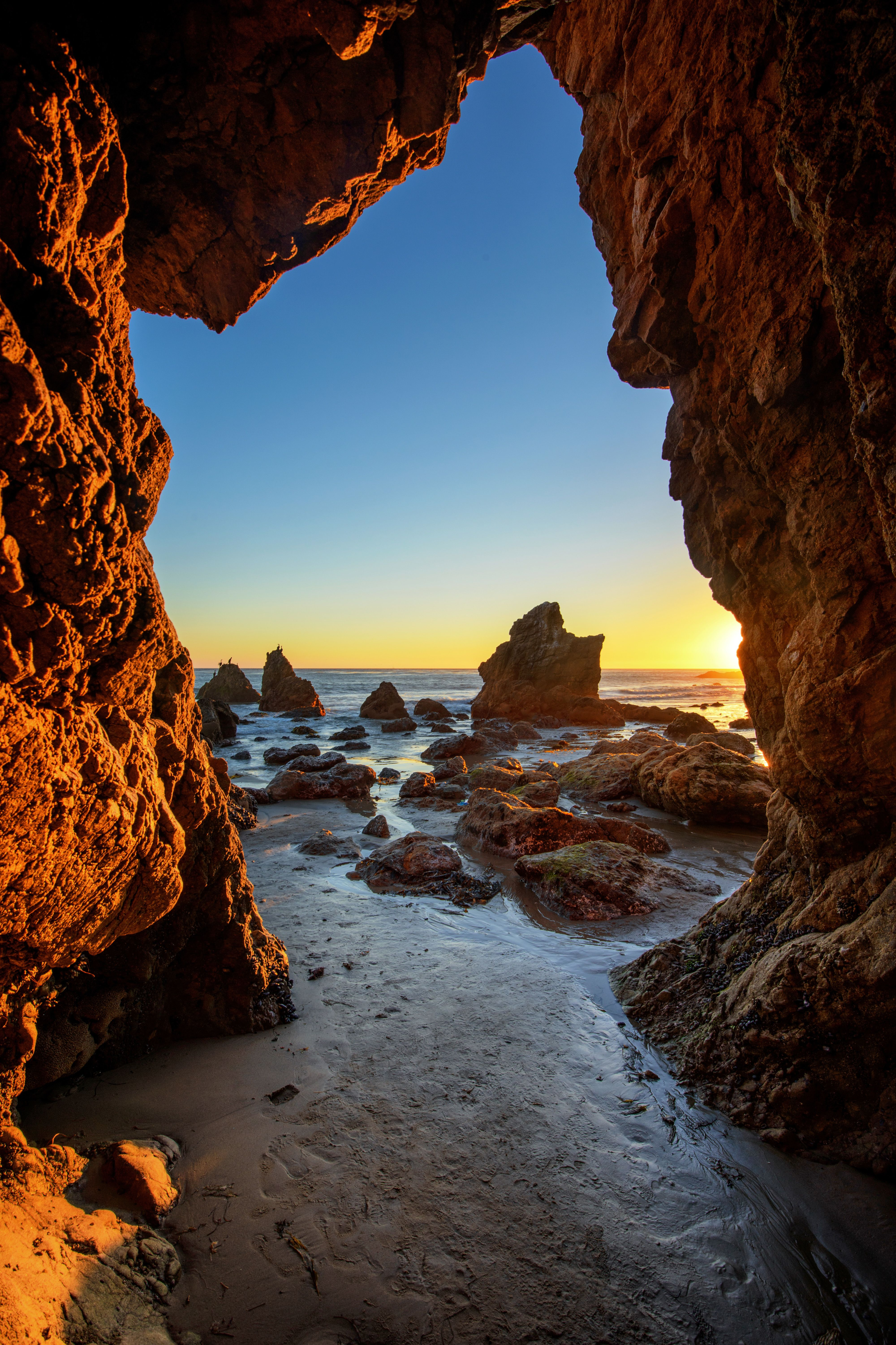 16 Amazing Beaches You Need To See Caves Long Beach And