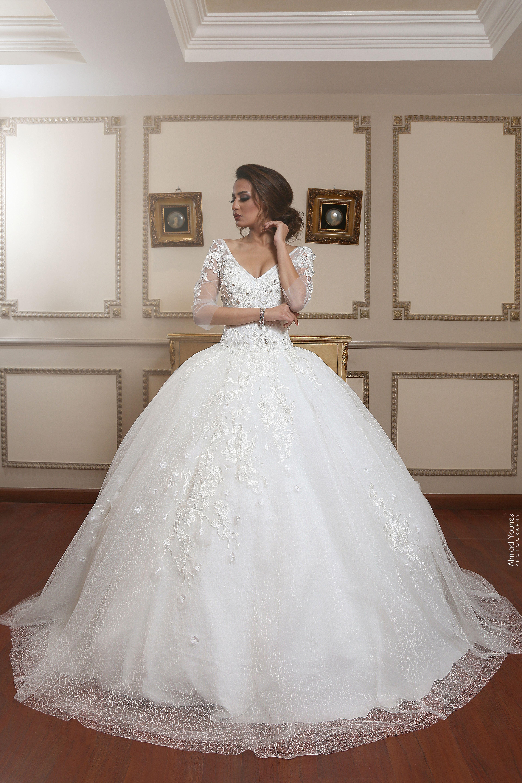 Follow Us On Https Www Facebook Com Hatgawz 201003735025 Wedding Dresses Lace Wedding Dresses Lace Weddings