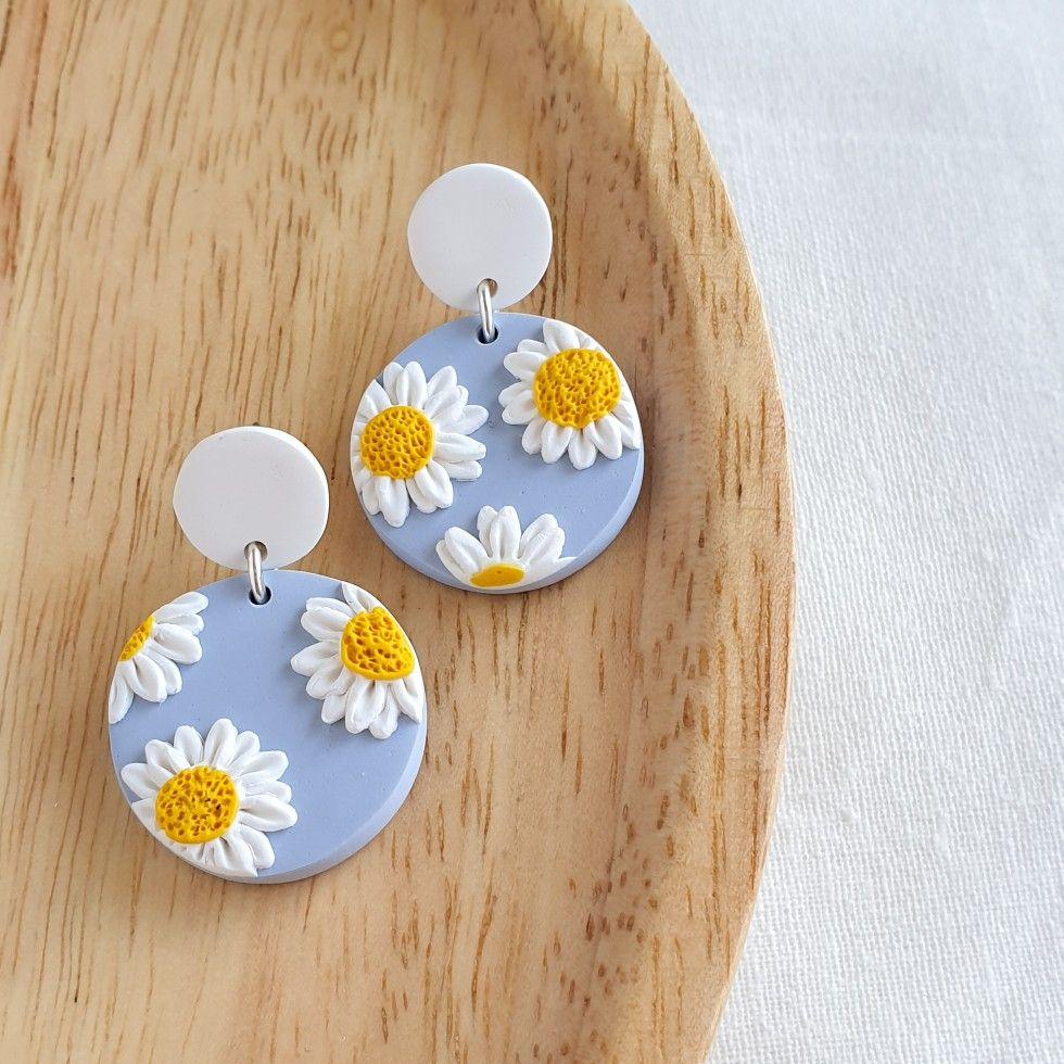 Moder Floral shape earrings Speckled earrings White polymer clay earrings