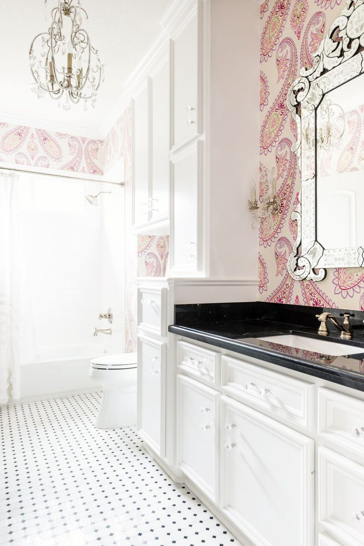 The Über-Chic East Coast Look Your Home Needs | Black countertops ...
