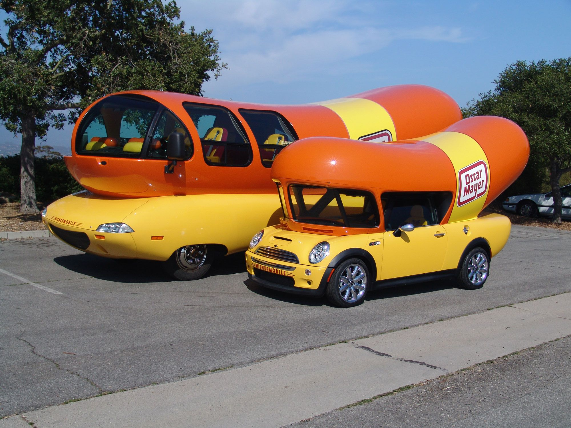 oscar mayer weinermobile and mini cooper weinermobile jpm entertainment advertising. Black Bedroom Furniture Sets. Home Design Ideas