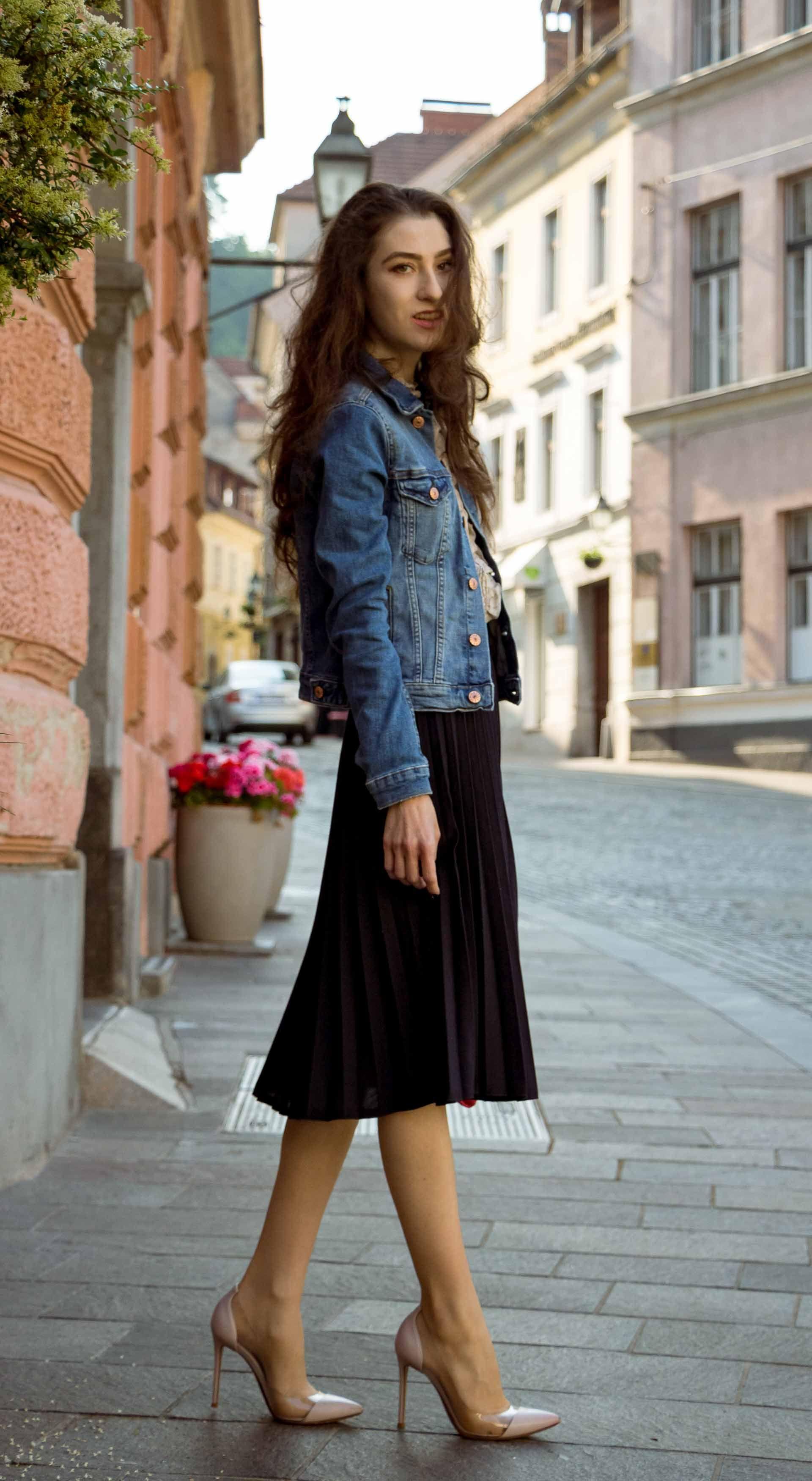 3177f488cf Veronika Lipar Fashion Blogger of Brunette from Wall Street wearing H&M  denim jacket, floral blouse