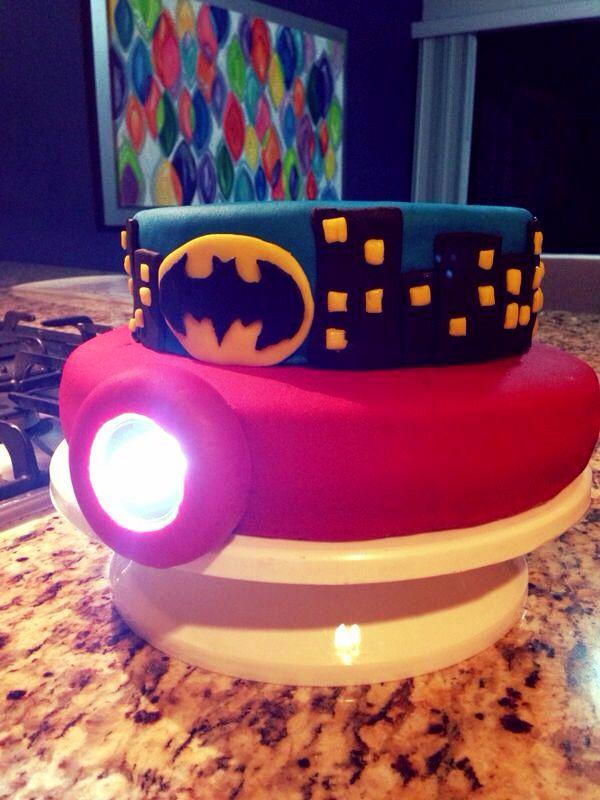 Pastel de Fondant Iron Man & Batman