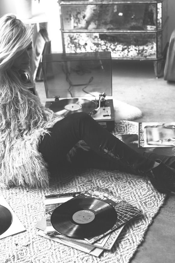 The (Vintage) Records You Need to be Spinning | Free People Blog #freepeople