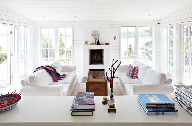 Vitmålad råspont i sommarhuset Ektorp sofa, Living rooms and Room - ikea einrichtung ektorp