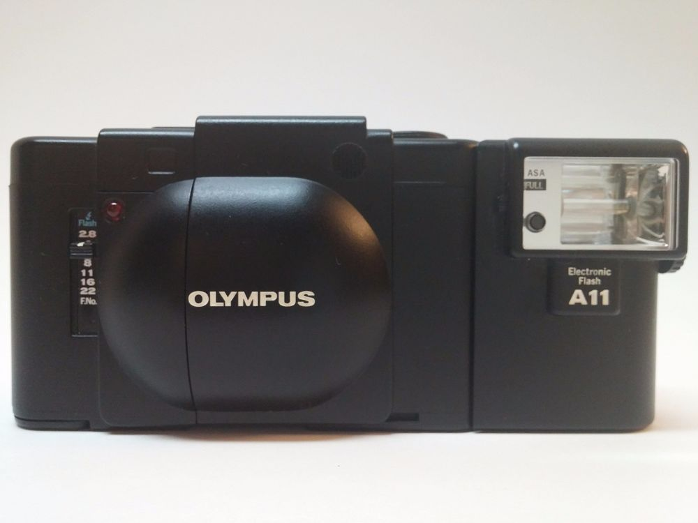 Olympus Xa F Zuiko 2 8 35mm Range Finder Camera And A11 Flash No