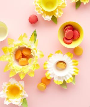 Martha Stewart / Make It : Coffee Filter Flower Baskets