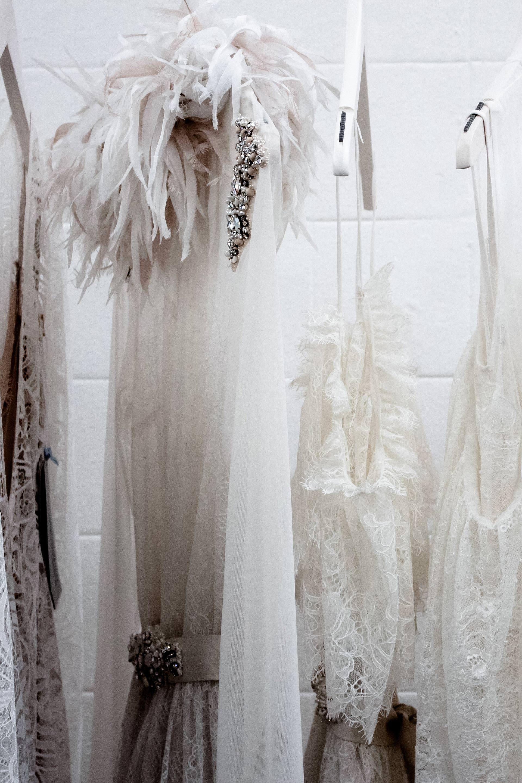 Say YES to the dress! 33 Schöne Low Budget-Brautkleider unter 400 ...