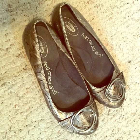 Dr Scholls flats Cute gray and very comfy flats. Size 7 1/2 worn once. Dr scholls Shoes Flats & Loafers