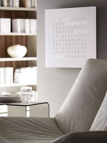wanduhr qlocktwo decor clock wanduhren wohnzimmer. Black Bedroom Furniture Sets. Home Design Ideas