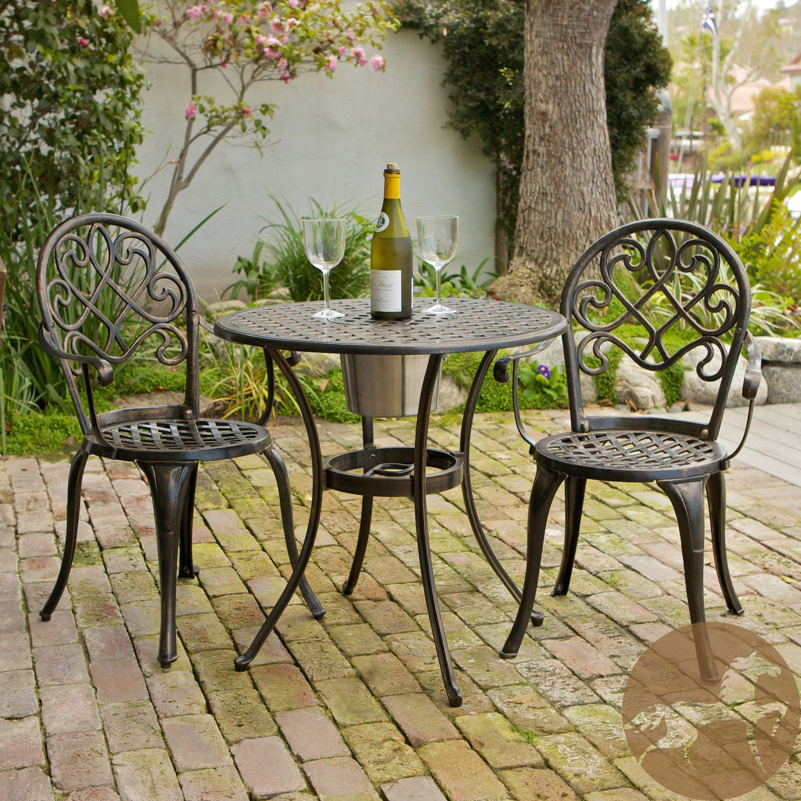 outdoor table for front porch :) coffee & morning sun... | hierro ...
