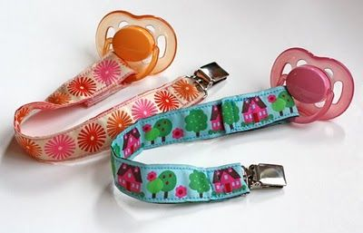 Pacifier clip made out of ribbon