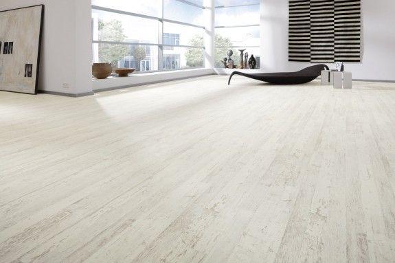 laminat gibt es in vielen verschiedenen varianten sie kann wie helles eichenholz aussehen. Black Bedroom Furniture Sets. Home Design Ideas