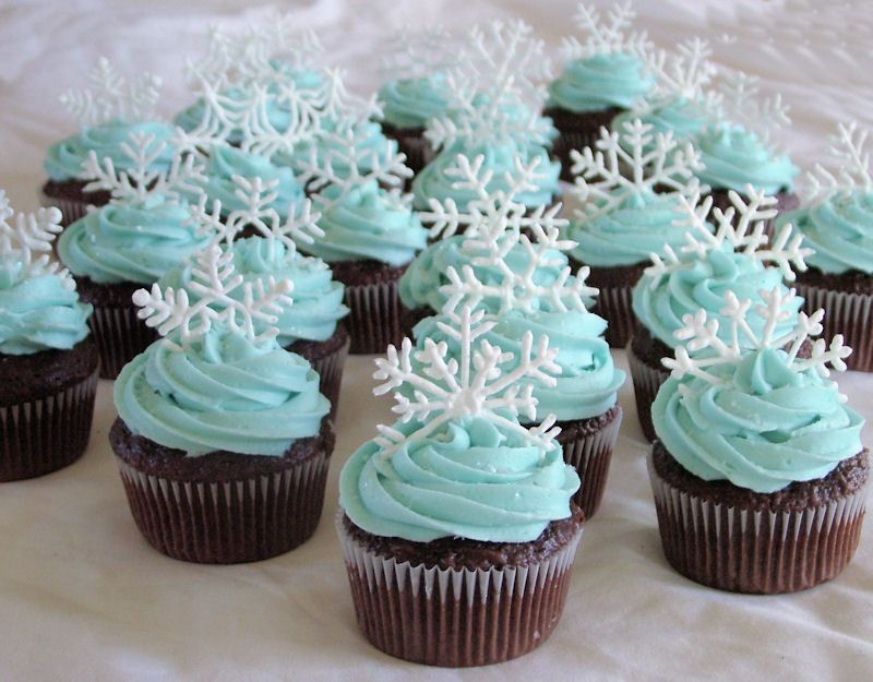 Snowflake Cupcakes Made For My Daughters School Christmas Party