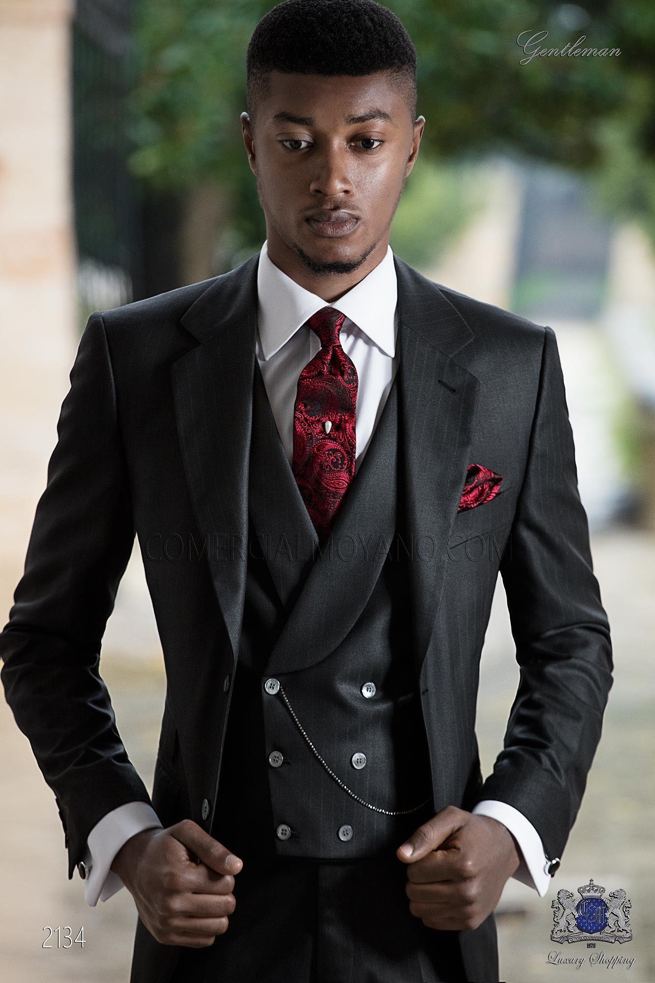 schwarzer italienischer anzug mit roten nadelstreifen suits pinterest italienische anz ge. Black Bedroom Furniture Sets. Home Design Ideas