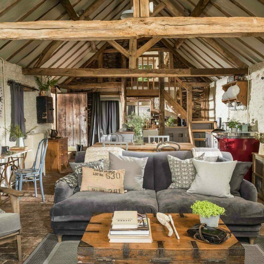 Ce Cottage Anglais A Plus De 500 Ans Mais L Interieur Est Incroyable Maison Style Interieurs Cottage Deco Sejour