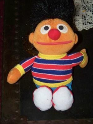 50d40ed5e93 Tyco 1997 SESAME STREET BEANS Plush ERNIE Toy Animal Doll Beanie Baby
