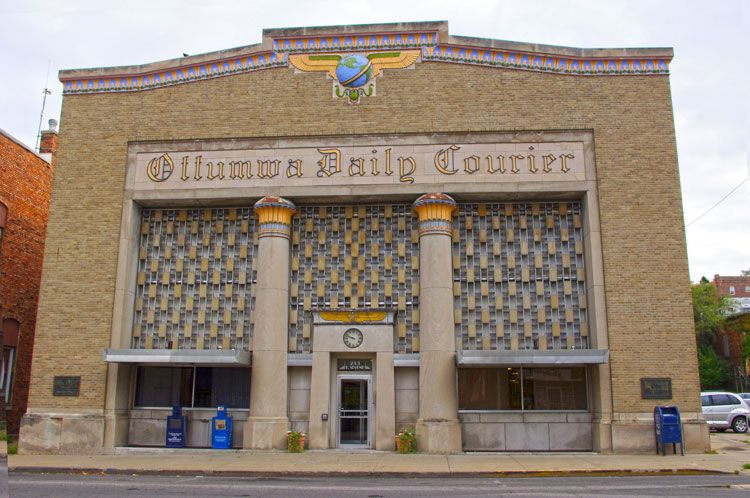 Ottumwa Daily Courier Revival, Egyptian influence