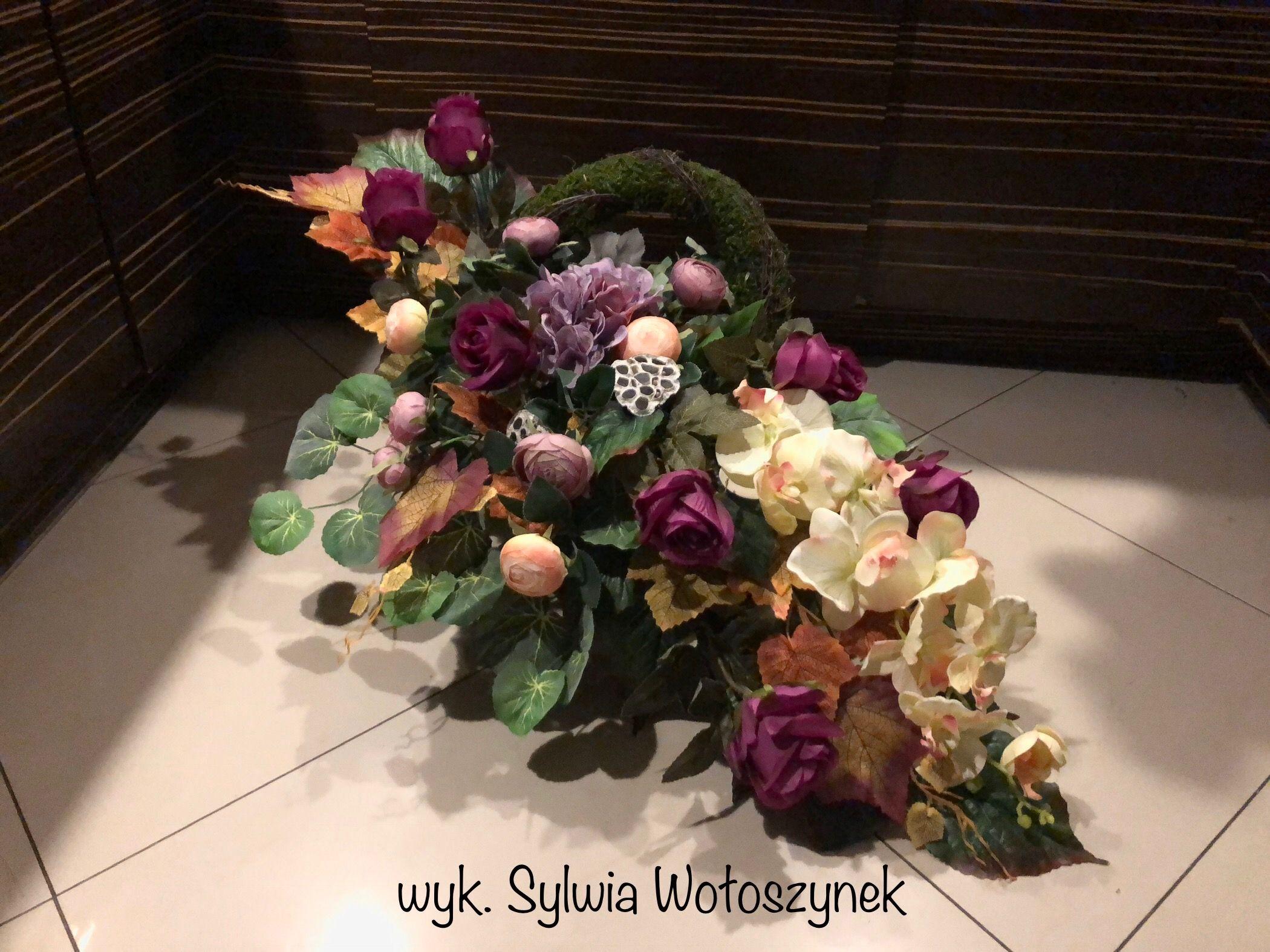 Kompozycja Nagrobna 2018 Wyk Sylwia Woloszynek Floral Arrangements Floral Floral Wreath