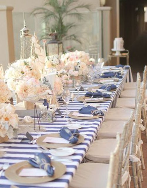 Como decorar una primera comunion marinera en azul blanco for Como decorar una mesa baja de salon