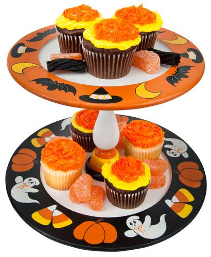 Free pattern available on DecoArt designed by Jeanne Bobish - decorating ideas for halloween cupcakes