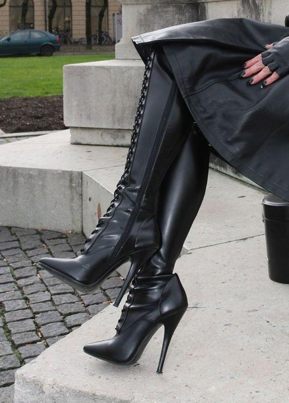 Fetish 19 Boot