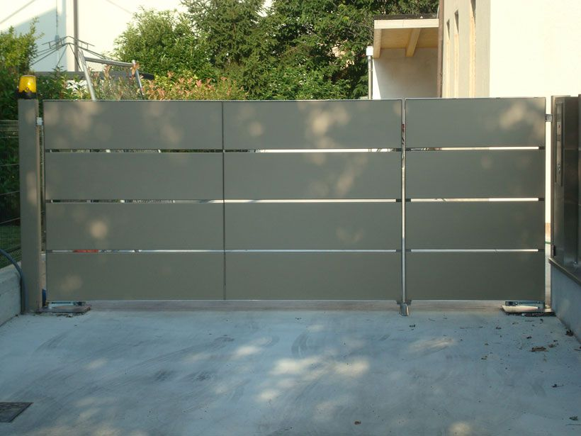 Risultati immagini per cancelli casa cancello for Immagini cancelli in ferro