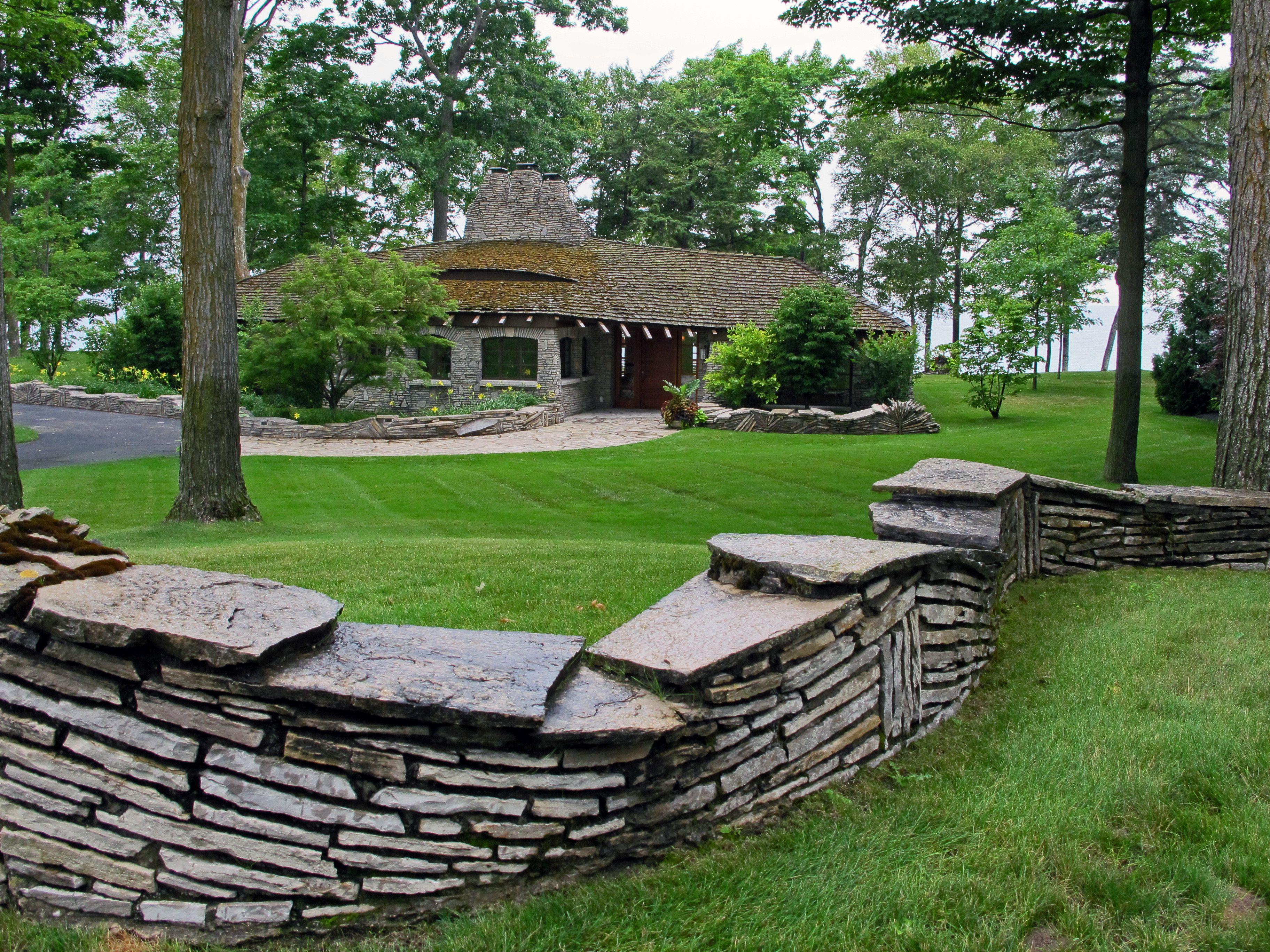 charlevoix cottages friday may du cottage monday villa rentals chalets to rental massif en