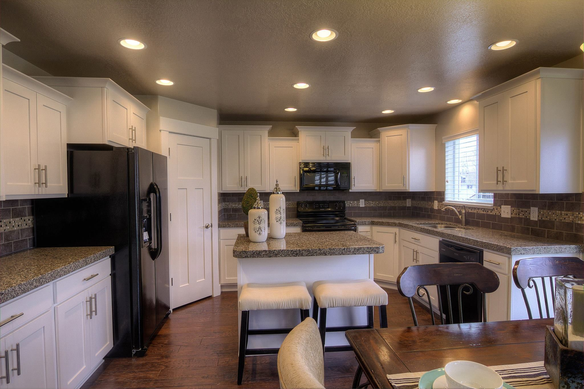 The Roman 4000 Model Home Craftsman Style Kitchen And Spacious