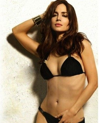 tight-eliza-dushku-having-sex-thongs-nice-ass