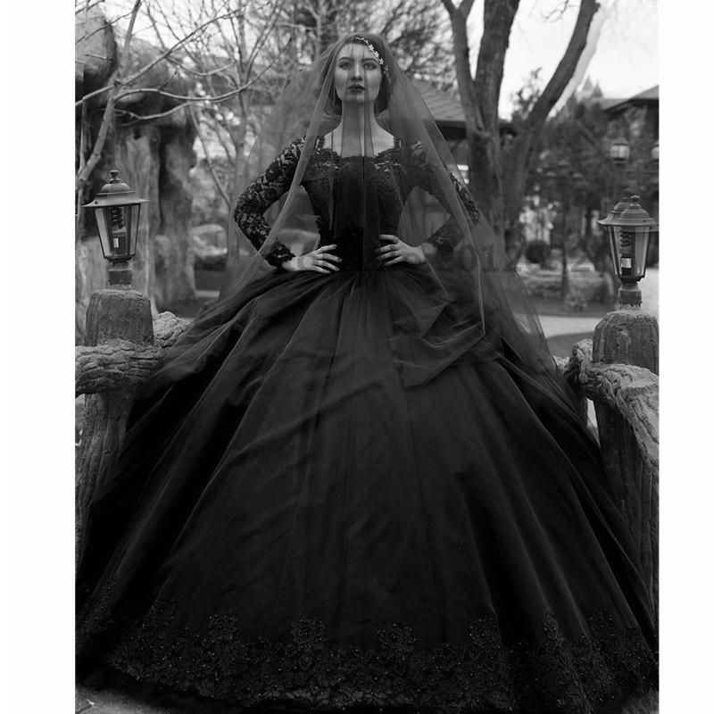 Gothic Black Wedding Dress Ball Gown Style 2017 Luxury Beading Princess Robe  De Mariage Vintage Lace Long Sleeve Bridal Gowns 7d0cc11f90c3