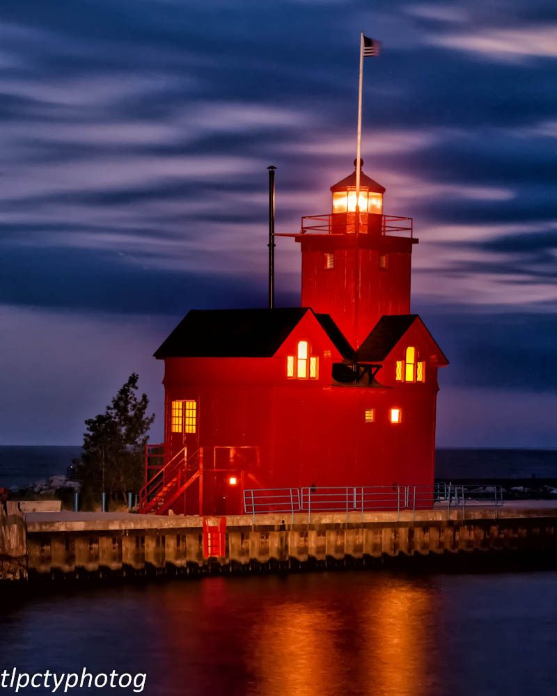Big Red Lighthouse Holland Michigan Lighthouse House Styles Holland Michigan