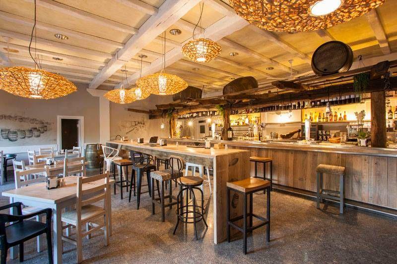 Sidreria Araeta Restaurante En San Sebastian Bar