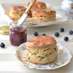 Sour Cream And Blueberry Scones In Italian Afternoon Tea Recipes Scones Recipe Uk Sweet Breakfast