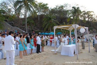 Ceremonia  ideal para tu boda en playa por Bodas Huatulco
