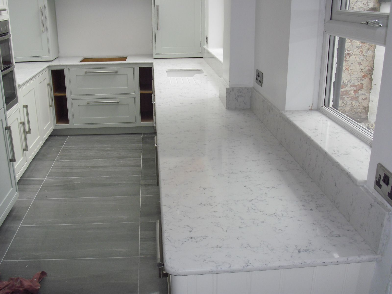 Silestone Quartz Worktops In Lyra 20mm Thick With Demi Bullnose Edge Silestone Countertops Kitchen Worktop Kitchen Redecorating