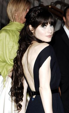 Celebrities With Black Hair And Pale Skinembrace Your Pale Skin On