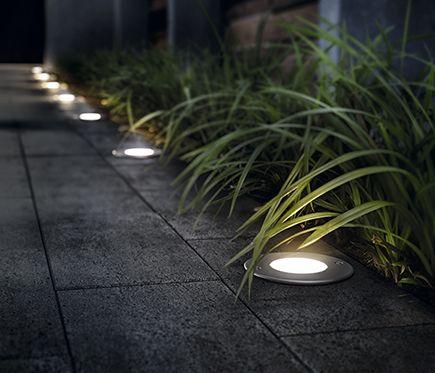 Foco philips linares led leroy merlin luz jard n en for Iluminacion exterior jardin