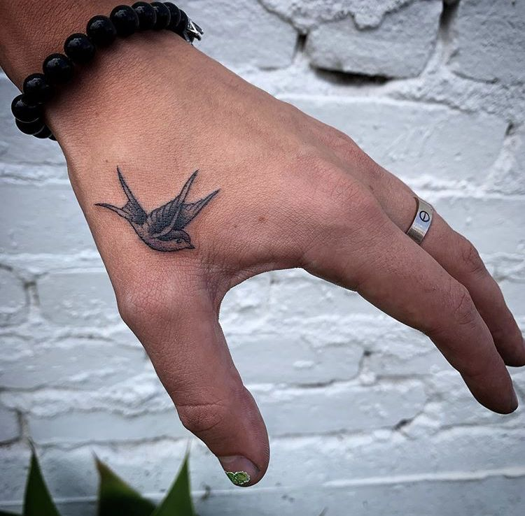 Pin By Toribrock On Solby Hand Tattoos For Guys Harry Styles Tattoos Hand Tattoos