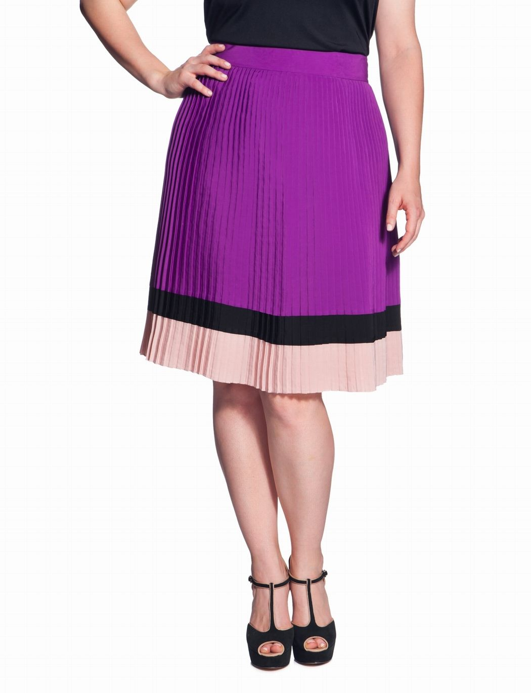 The Shape and the Pleats on this wouldn't work for me, but I just love this skirt!